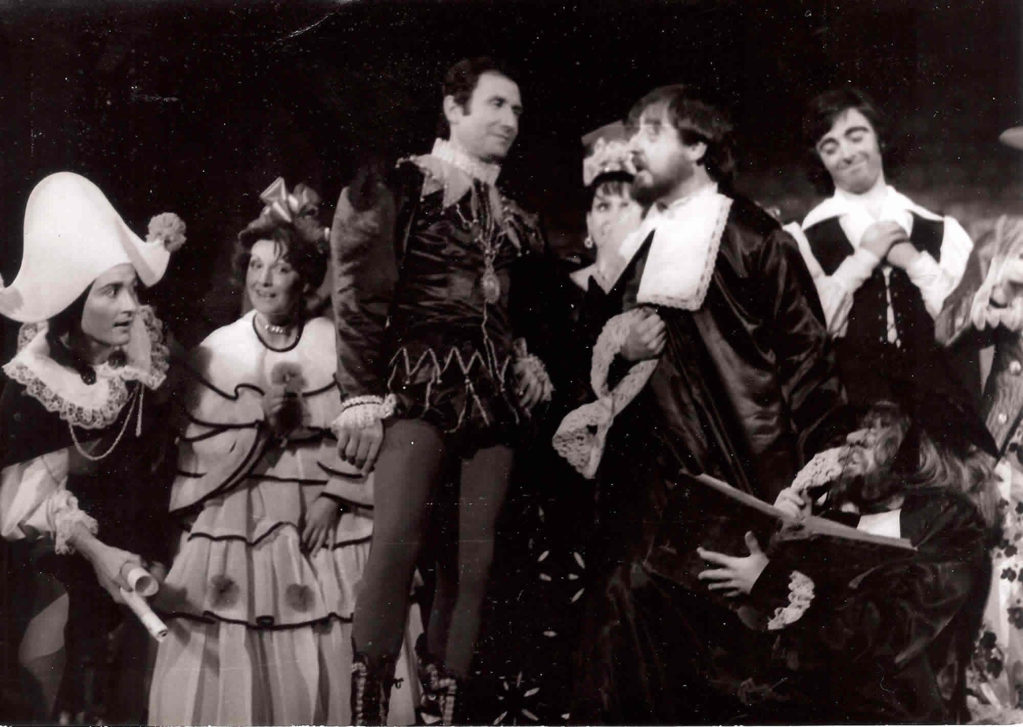 maribel-gabriel-joan-borras-plaza-del-rey-los-intereses-creados-jpg